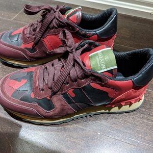 Valentino Sneakers Red Camo sz:39
